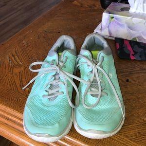 champion running shoes